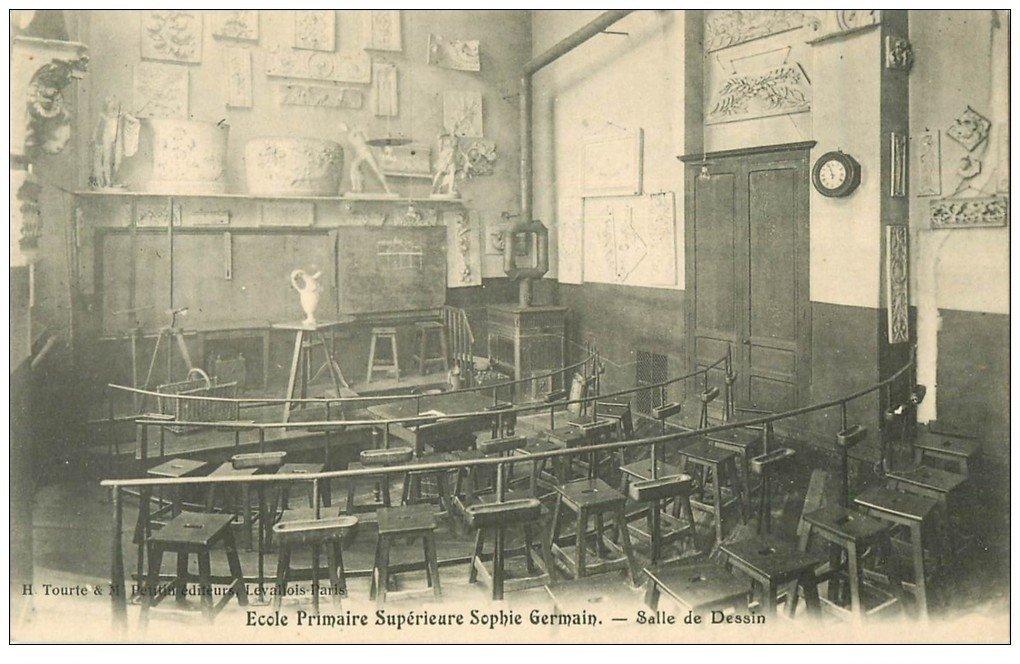 carte postale ancienne PARIS 04. Ecole Sophie-Germain. Salle de Dessin