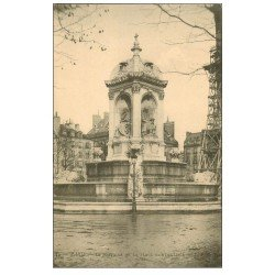 carte postale ancienne PARIS 06. Fontaine Place Saint-Sulpice vers 1900
