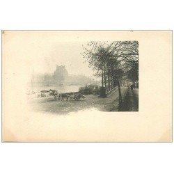 carte postale ancienne PARIS 07. Attelage Quai de la Seine. Varte verso vierge et blanc