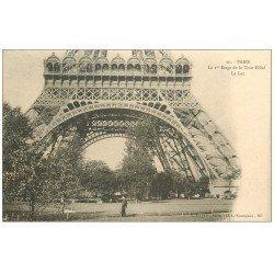 carte postale ancienne PARIS 07. Le Lac et Ier étage Tour Eiffel