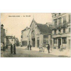 carte postale ancienne 10 BAR-SUR-AUBE. Les Halles et Café de l'Europe