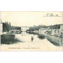 carte postale ancienne 10 BAR-SUR-AUBE. Passeur en barge près de l'Abbatoir 1904. Les écluses