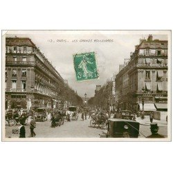 carte postale ancienne PARIS 09. Les Grands Boulevards. Carte émaillographie 1911. Minuscule pli coin