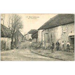 carte postale ancienne 10 BERTIGNOLLES. Les Forgerons rue Principale 1918