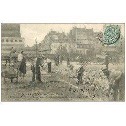 carte postale ancienne PARIS 12. Le repavage Place de la Bastille 1904. Les Petits Métiers de Paris. Collection Arget