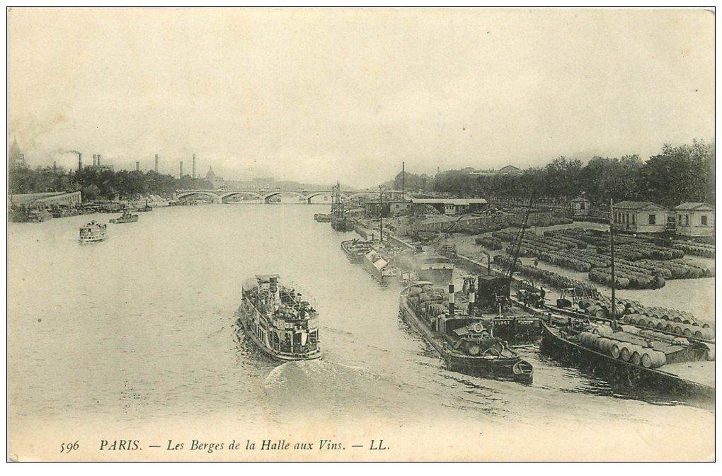 PARIS 12. Les Berges de la Halle aux Vins. Péniches et Bateau Mouche