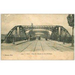 carte postale ancienne PARIS 14. Procession Funéraire Pont du Chemin de Fer d'Orléans 1906. Etat moyen...