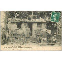 carte postale ancienne 10 MAILLY-LE-CAMP. Cabane sur ancien Cimetière 1911. Recherche d'armoiries anciennes...