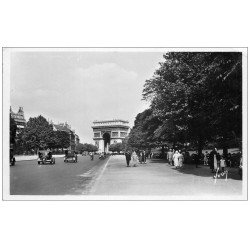carte postale ancienne PARIS 16. Avenue Foch. Carte Photo 1944
