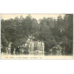 carte postale ancienne PARIS 16. Bois de Boulogne. La Cascade