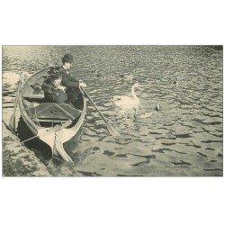 carte postale ancienne PARIS 16. Bois de Boulogne. Lac avec Cygne et Canards