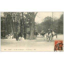 carte postale ancienne PARIS 16. Bois de Boulogne. Les Acacias avec Cavaliers 1911