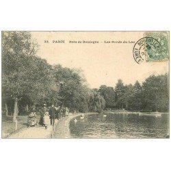carte postale ancienne PARIS 16. Bois de Boulogne. Les Bords du Lac 1907