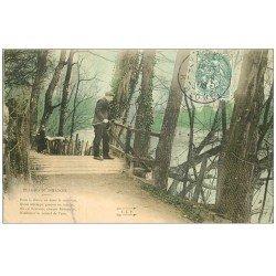 carte postale ancienne PARIS 16. Bois de Boulogne. Pêcheur sur petit Pont Plaisirs du Dimanche 1906