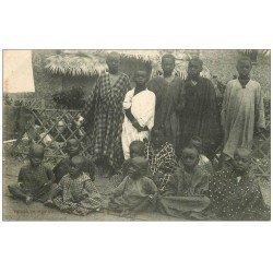 PARIS 16. Porte Maillot. Enfants Sénégalais