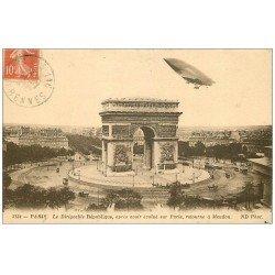 carte postale ancienne PARIS 17. Arc de Triomphe de l'Etoile le Dirigeable République