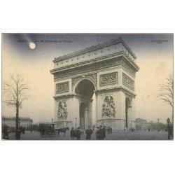carte postale ancienne PARIS 17. Arc de Triomphe de l'Etoile le soir