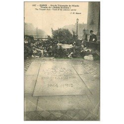 carte postale ancienne PARIS 17. Arc de Triomphe. Tombe du Soldat Inconnu 107