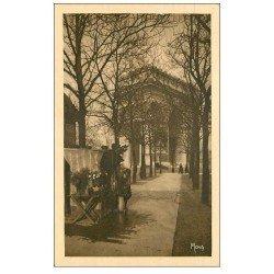 carte postale ancienne PARIS 17. Fleuriste de la Place de l'Etoile