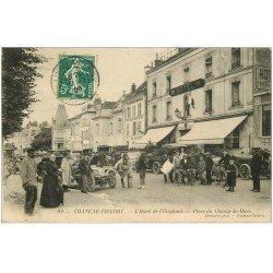 carte postale ancienne 02 CHATEAU-THIERRY. Hôtel . Voitures TacotsEléphant Place Champ-de-Mars 1909
