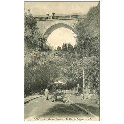 carte postale ancienne PARIS 19. Buttes Chaumont. Attelage Promenade des Enfants et Pont Briques 1906