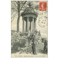 carte postale ancienne PARIS 19. Buttes Chaumont. Ecoliers sur le Belvédére 1909