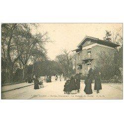 carte postale ancienne PARIS 19. Buttes Chaumont. La Maison du Garde
