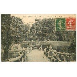 carte postale ancienne PARIS 19. Buttes Chaumont. Le Passeur du Lac