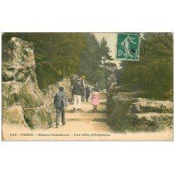 carte postale ancienne PARIS 19. Buttes Chaumont. Une Allée pittoresque 1909