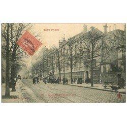 carte postale ancienne PARIS 20. Ecole des Filles Rue des Pyrénées 1907. Collection Fleury