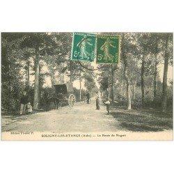 carte postale ancienne 10 SOLIGNY-LES-ETANGS. Cabriolet Route de Nogent 1917
