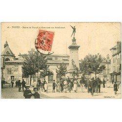 carte postale ancienne 10 TROYES. Bourse du Travail 1911 et Monument aux Bienfaiteurs