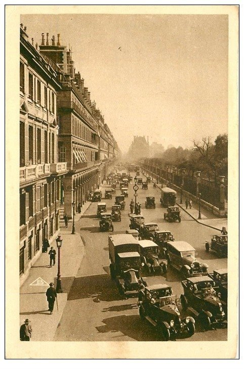 PARIS 01. Camions, Voitures et Taxis rue de Rivoli 1931