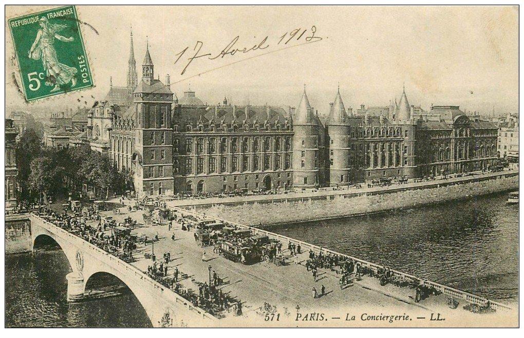 carte postale ancienne PARIS I°. La Conciergerie et Pont au Change 1913