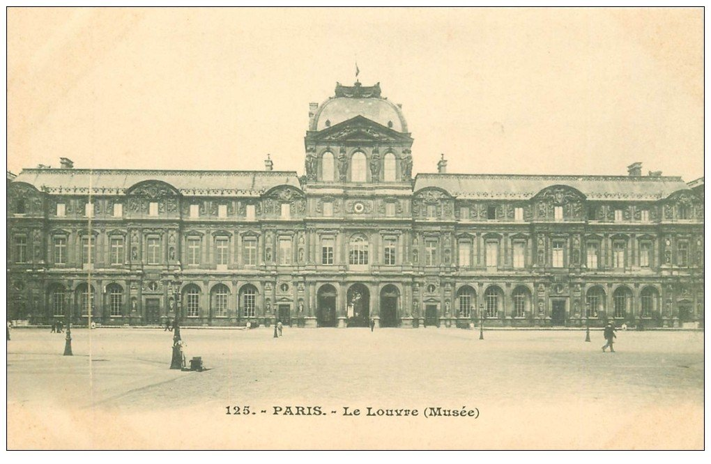 PARIS 01 Le Louvre Musée