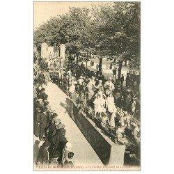 carte postale ancienne 10 TROYES. Cortège Boulevard du 14 juillet. Fêtes de la Bonneterie.