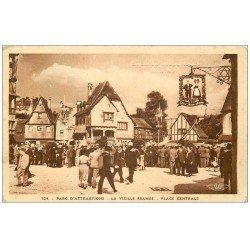 carte postale ancienne PARIS I°. Parc d'Attractions Place Centrale. Exposition Internationale 1937