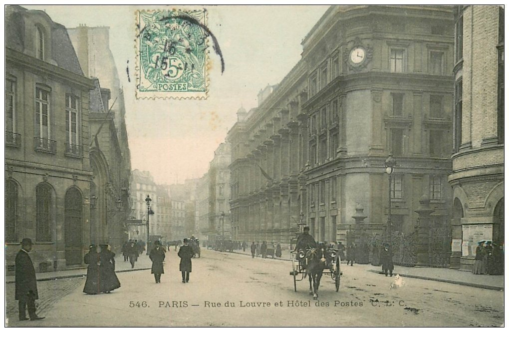 carte postale ancienne PARIS I°. Rue du Louvre et Hôtel des Postes 1905