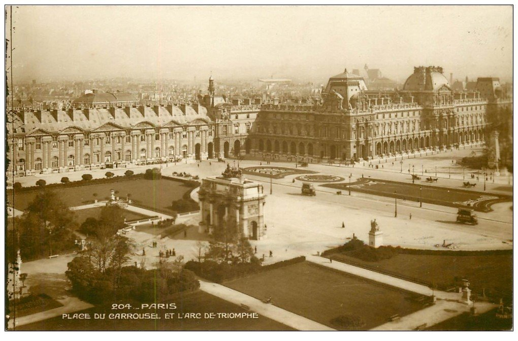 carte postale ancienne PARIS Ier. Place du Carrousel Arc Triomphe 1948