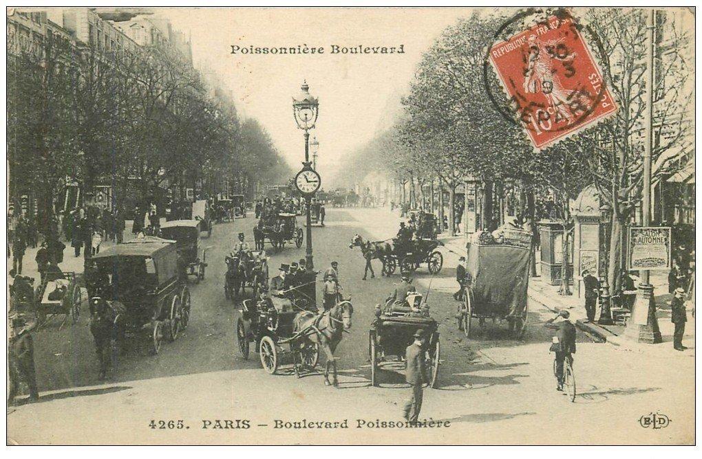 carte postale ancienne PARIS II° Boulevard Poissonnière. Fiacres 1919