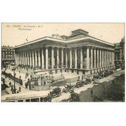carte postale ancienne PARIS II° La Bourse. Autobus et Métropolitain et Taxis. Timbre Espanola 1938
