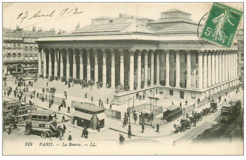 carte postale ancienne PARIS II° La Bourse. Bouche du Métropolitain et Autobus à Impériales 1912