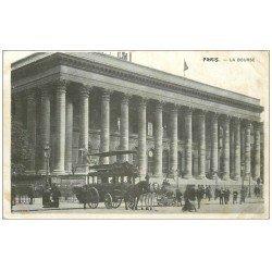 carte postale ancienne PARIS II° La Bourse. Hippomobile à Impériale