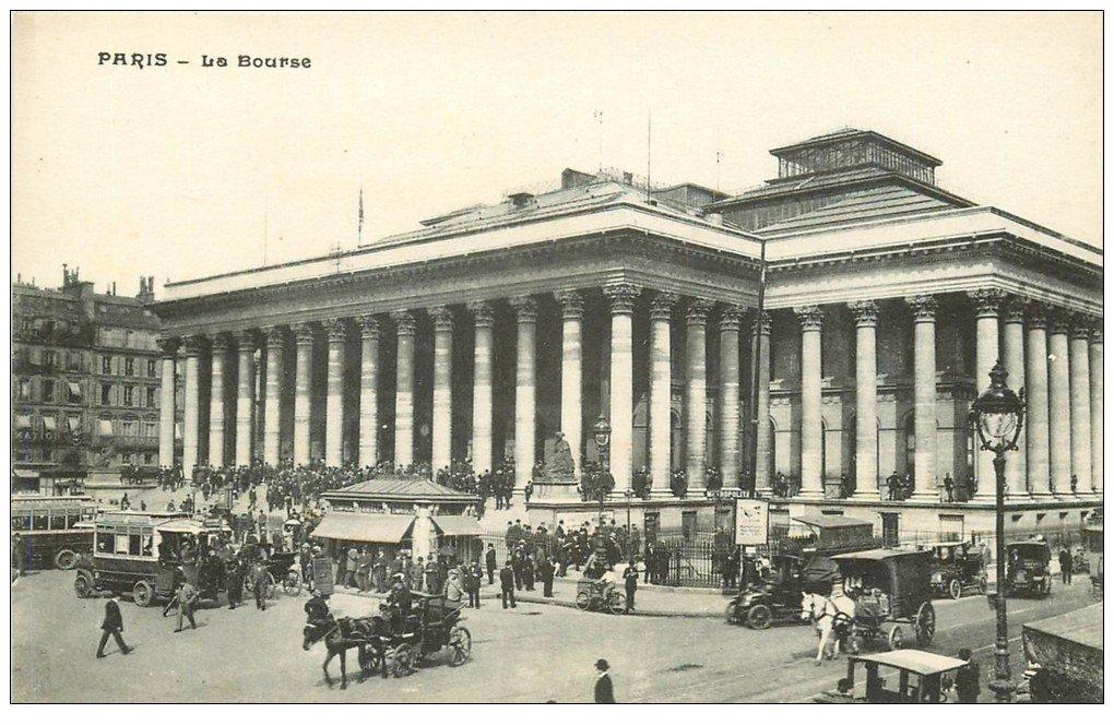 carte postale ancienne PARIS II° La Bourse. Taxis, Métropolitain et Attelages