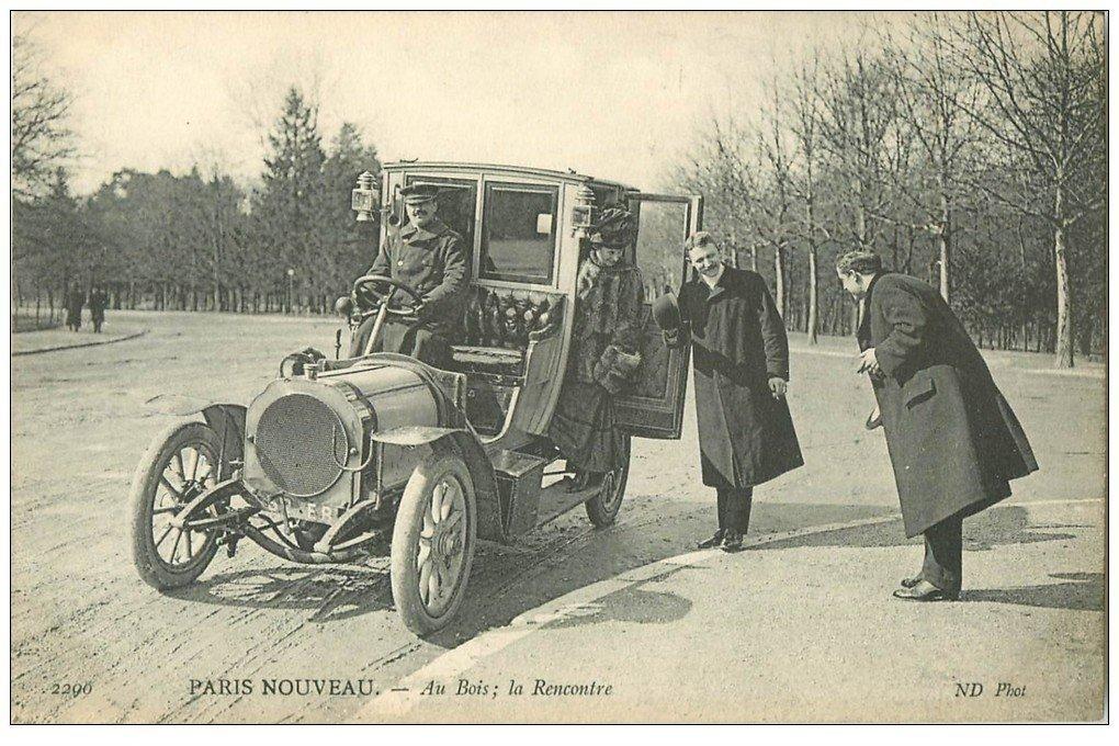carte postale ancienne PARIS MODERNE. Chauffeur de Taxi ancien. Une Rencontre au Bois vieille automobile Tacot