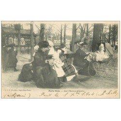 carte postale ancienne PARIS VECU. Femmes, Nurses et landau aux Champs-Elysées 1904. Affiche Byrrh