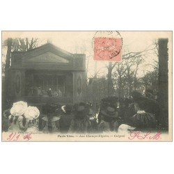 carte postale ancienne PARIS VECU. Guignol aux Champs-Elysées 1905