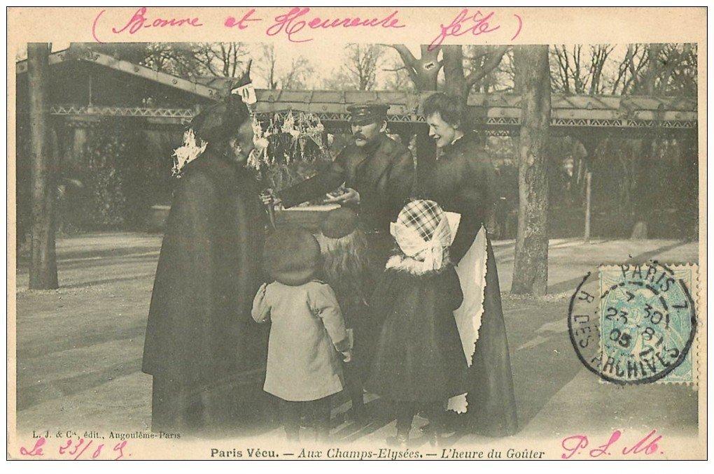 carte postale ancienne PARIS VECU. L'heure du Goûter aux Champs-Elysées 1905 Vendeur ambulant