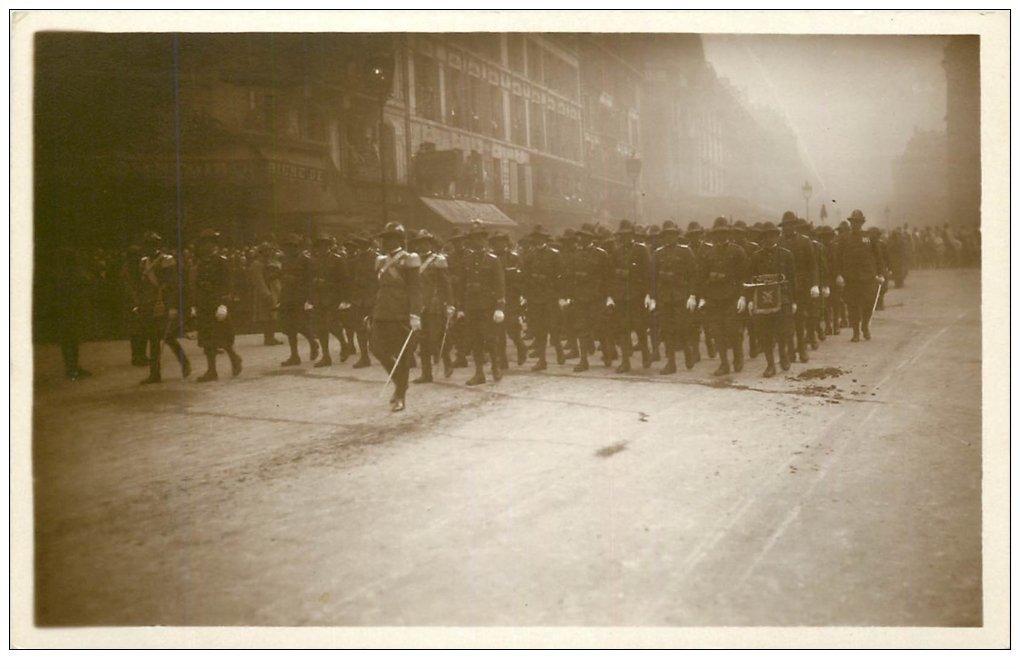 carte postale ancienne PARIS. Funérailles Maréchal Foch 1929. Bersagliers ou Bersaglieri