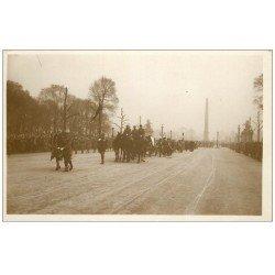carte postale ancienne PARIS. Funérailles Maréchal Foch 1929. Fanion et Cheval du Maréchal